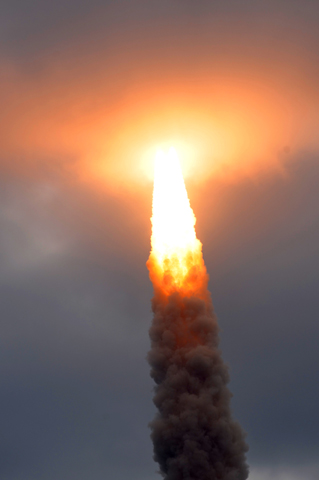 STS-134_endeavour-launch.jpg